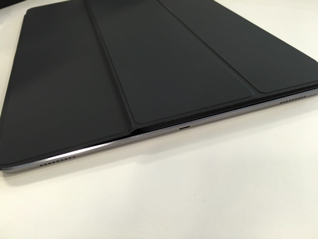 Smart Keyboard 接続