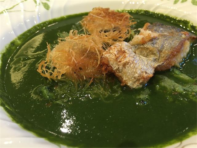 牡蠣と太刀魚のカダイフ焼き 春菊のスープ仕立て