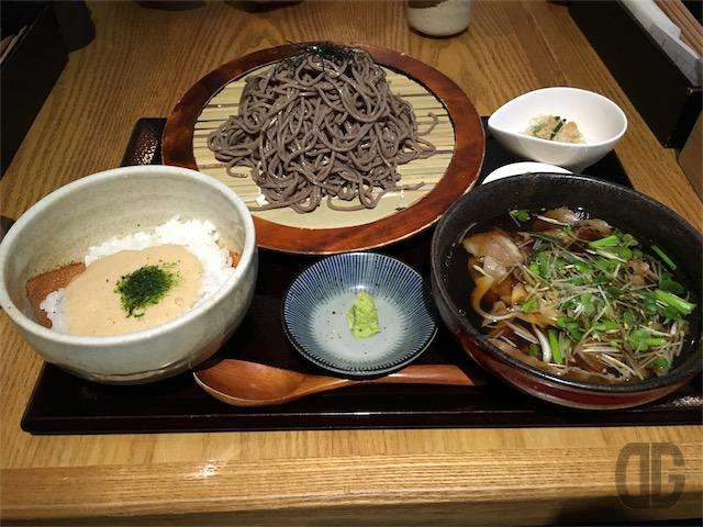 文楽 (神楽坂) 〜 牛汁蕎麦ととろろめし定食をいただく