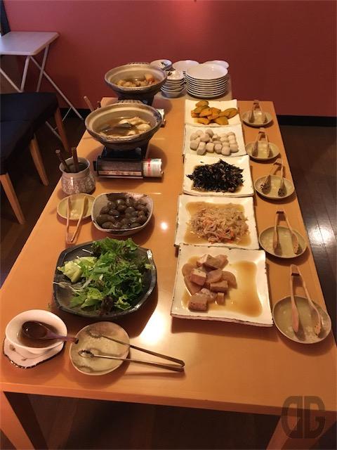 久露葉亭 神楽坂 〜 料亭風なのにおばんざい食べ放題
