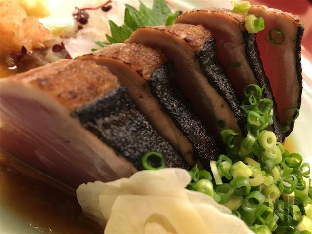 別亭 鳥茶屋 神楽坂 〜 親子丼ではなく、あえて、旬の初鰹のたたき定食をいただく