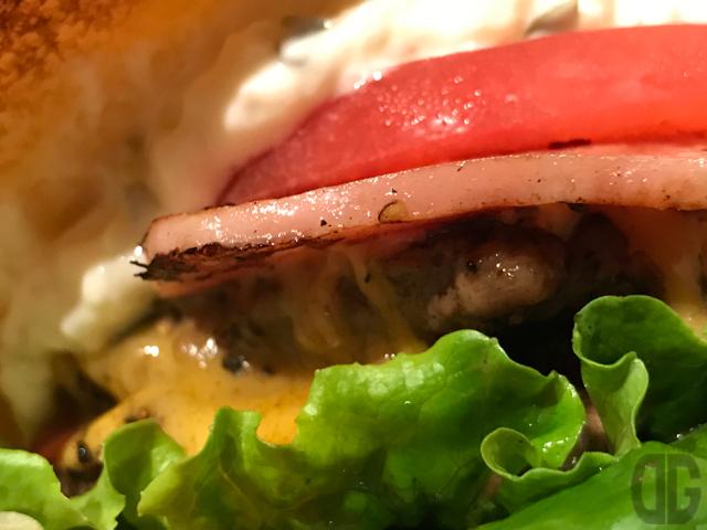 六本木一丁目 the 3rd Burger  〜 量より質なハンバーガー。大きけりゃいいってもんじゃないでしょ?