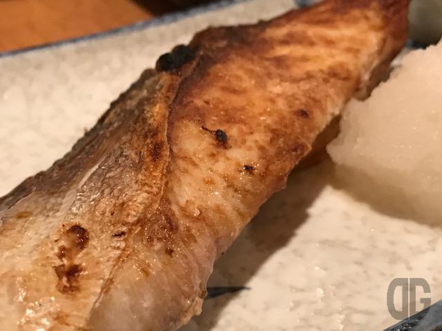 飯田橋 やまがたでサバの塩焼きをいただく