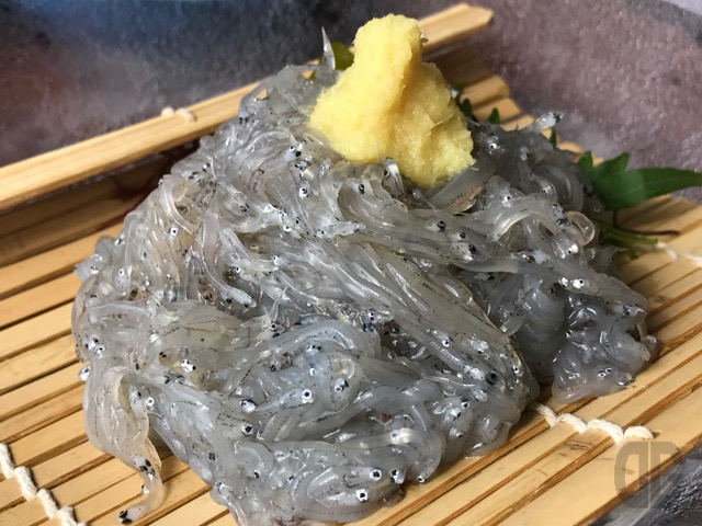 江ノ島最奥部の魚見亭で江ノ島からの絶景を見ながら海の幸&江ノ島丼をいただく
