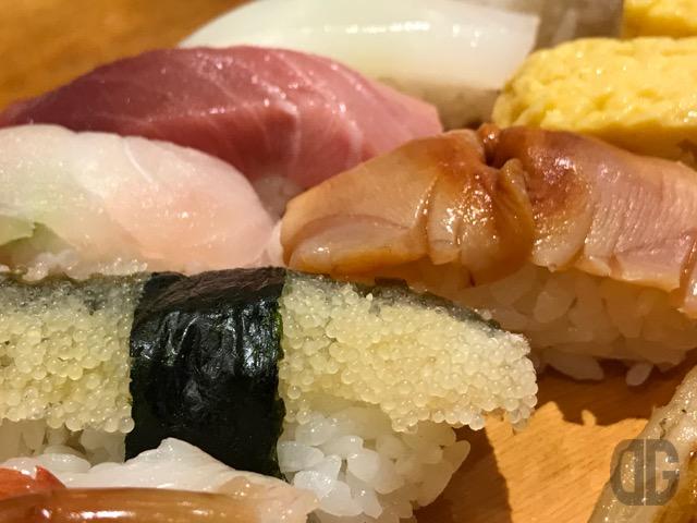 田原町 寿司居酒屋 日本海 浅草店 でボリュームたっぷりの特撰寿司をいただく