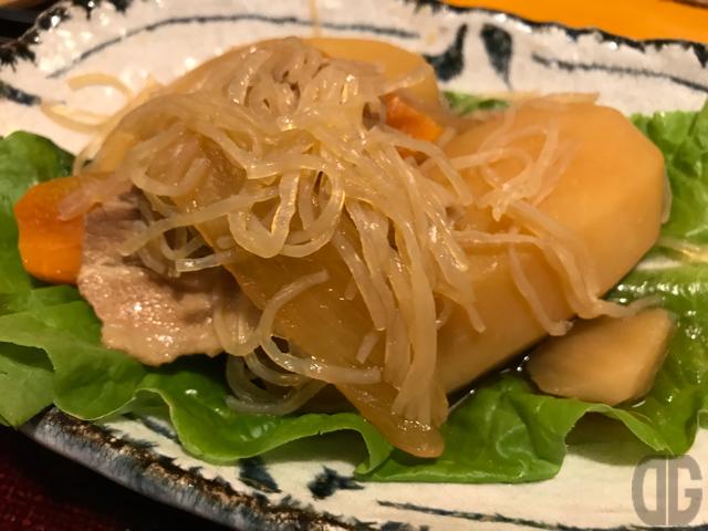 鳥茶屋本店(神楽坂)で、鳥ではなく日替わりの肉じゃが定食を食べてみる