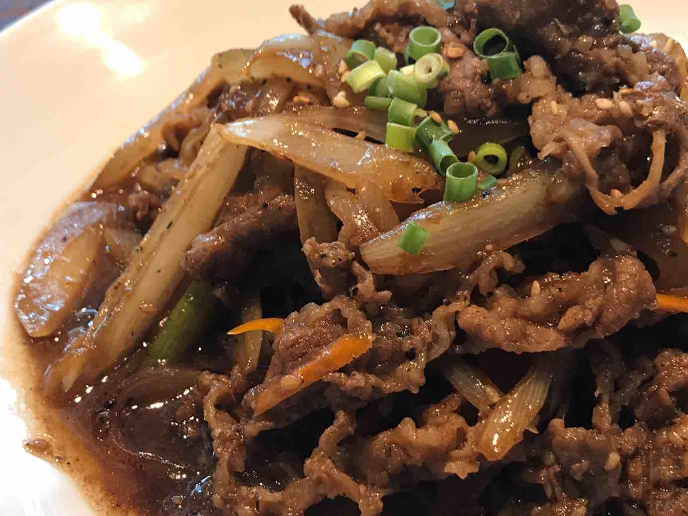 炭火焼肉・韓国料理Kollabo神楽坂店でプルゴギ定食をいただく
