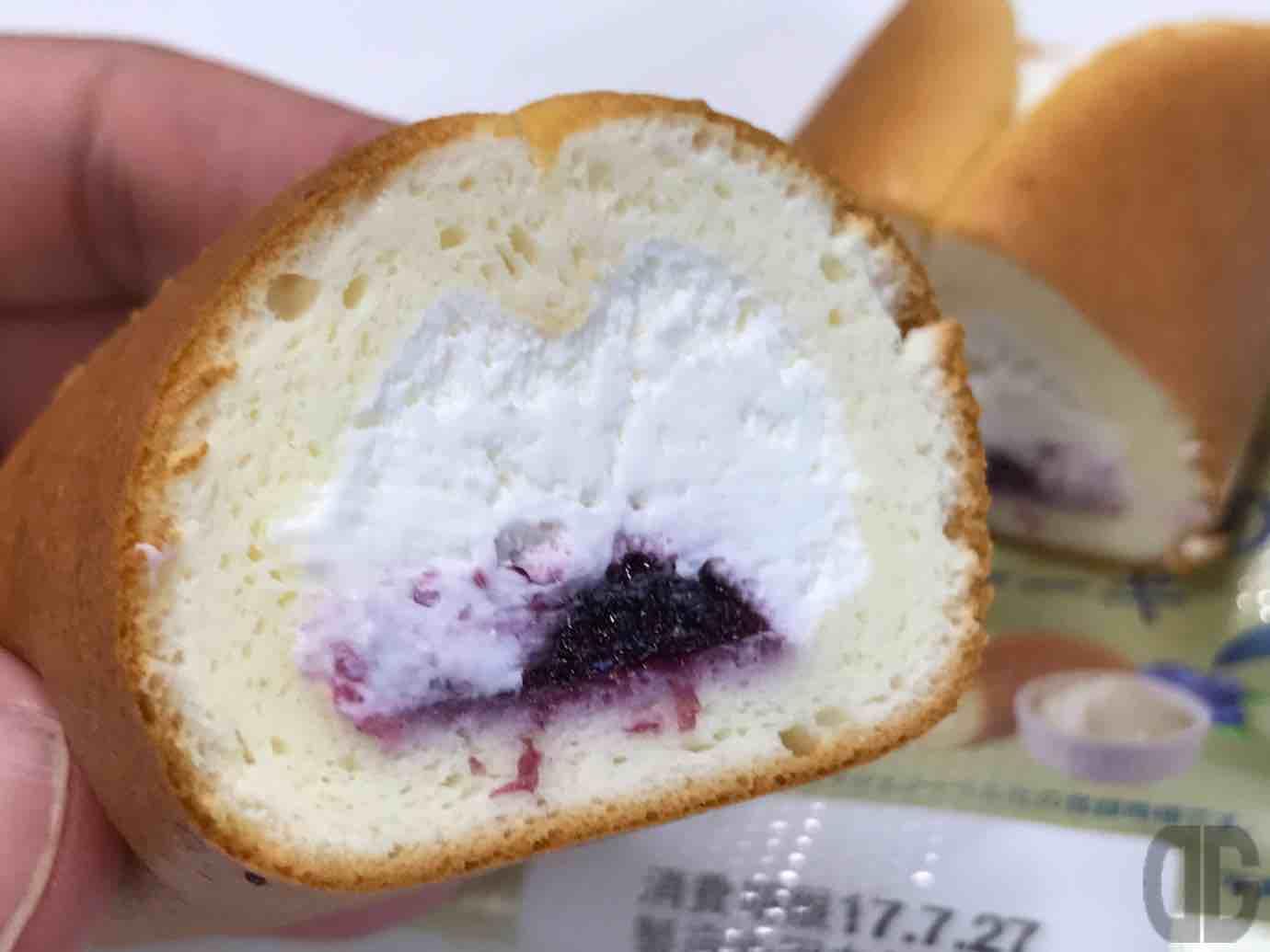 ヤマザキのチーズ好きのためのチーズケーキ新作、ブルーベリーレアチーズをゲット♪もちろんkiriクリームチーズを使っていますよ