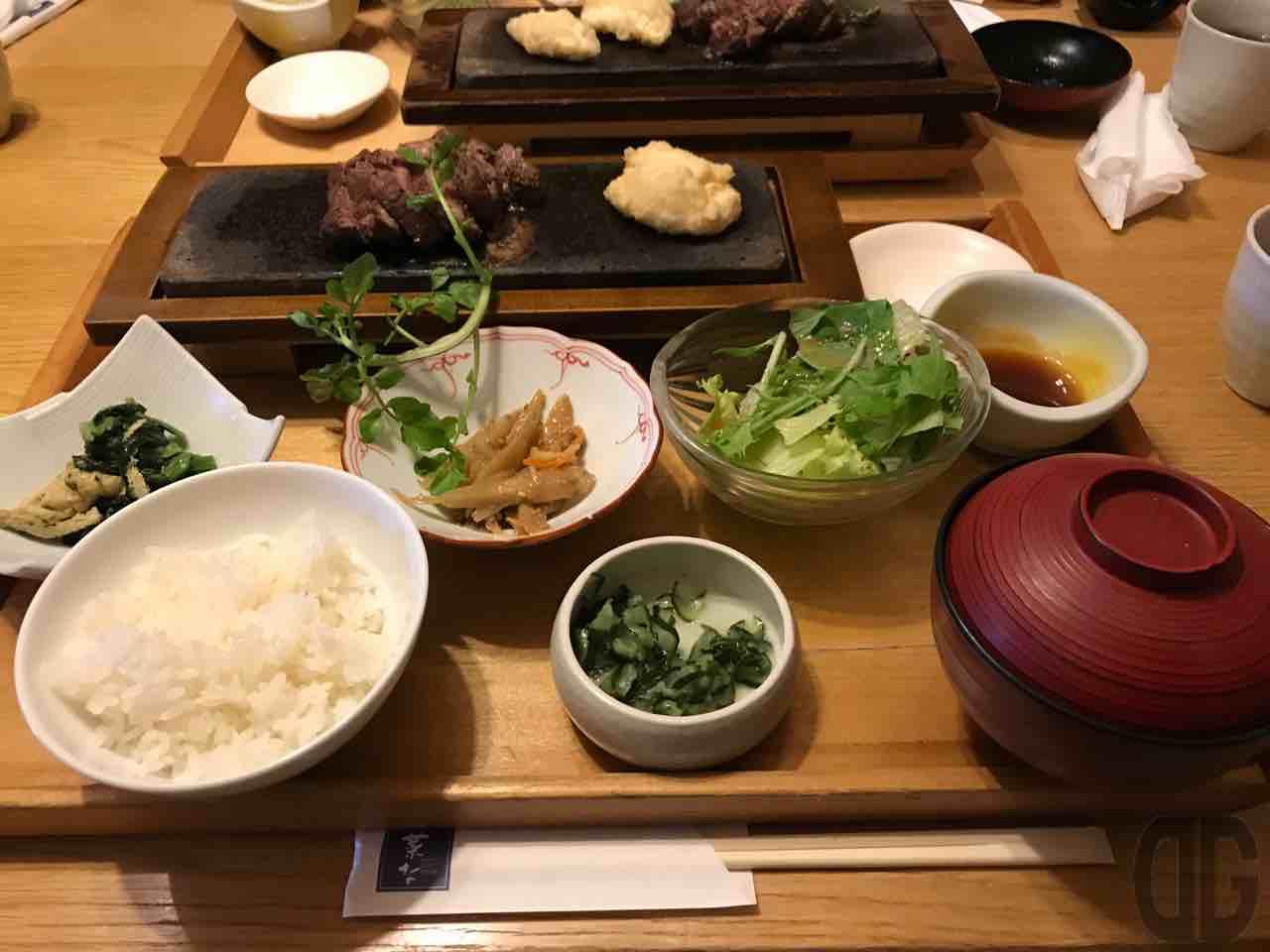 菜なKITTE丸の内店で 牛ヒレ肉の石焼き御膳をいただく。ヒレ肉バンザイ\(^o^)/