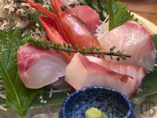 神楽坂のうを匠 鱻(せん)で上造り天ぷら御膳をいただく。お刺身と天ぷらの両方を一度に食べられる欲張りなランチ♪