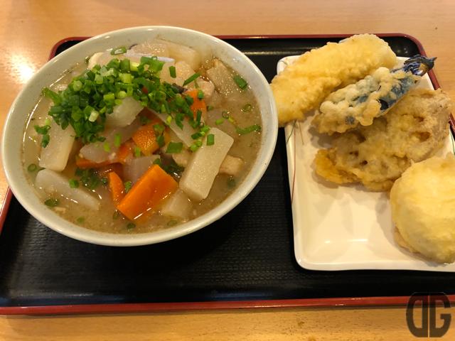 讃岐うどん條辺(上福岡)で寒くなったときの強い味方、しっぽくうどんをいただきました♪あったまるぅ〜♪